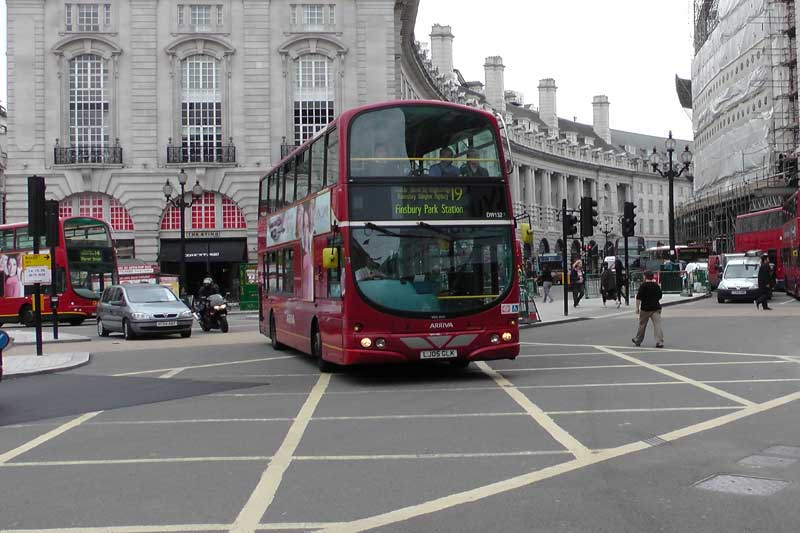 A 19 bus approaching Shaftesbury Avenue.