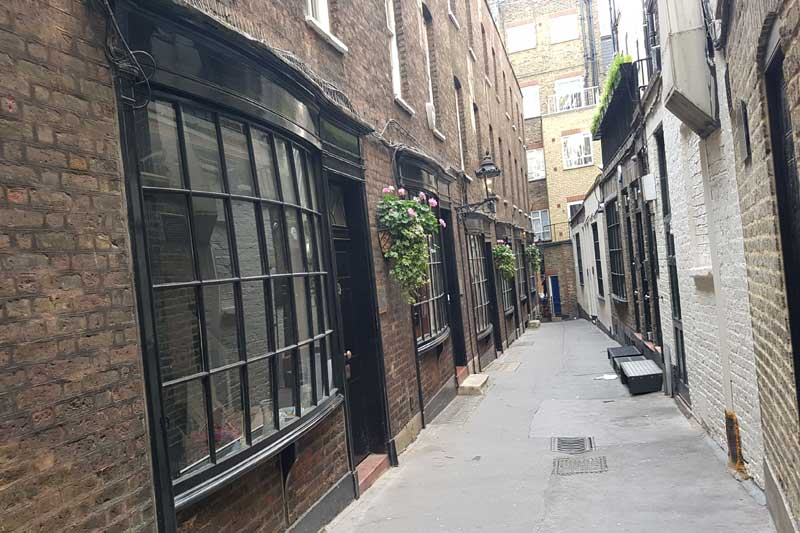 Goodwin's Court, a possible inspiration for Diagon Alley.
