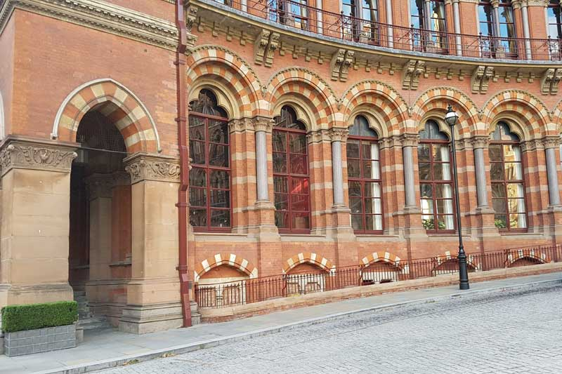 The forecourt of the St Pancras Renaissance Hotel. ehrtr the Weasley's park the Ford Anglia.